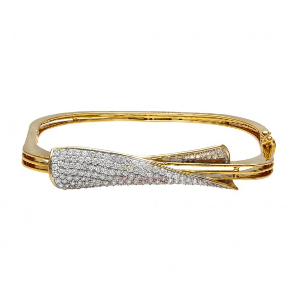 A Twisted 18kt Diamond Stud Square Bracelet