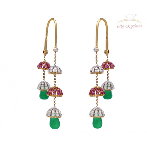 Beautiful 18 Kt Diamond Earring in Zumkha Pattern with Emerald