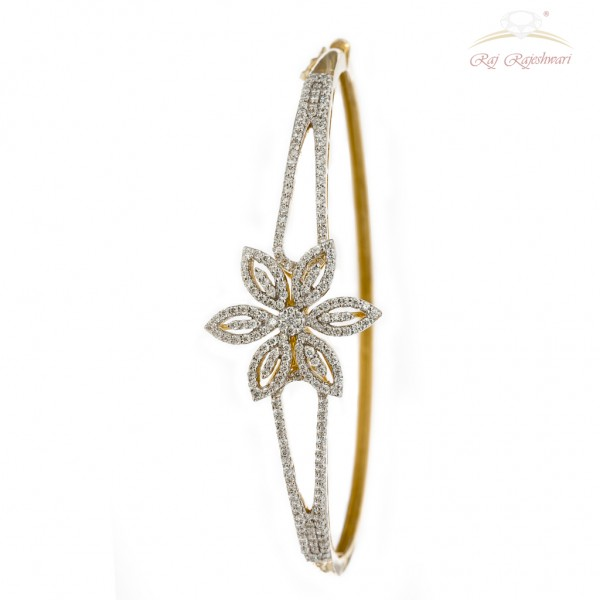 Floral Design Diamond Studded Braclet in 18kt Gold