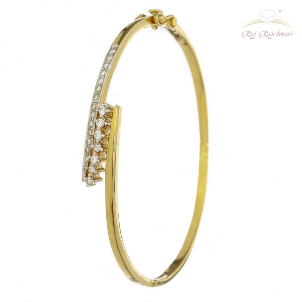 Diamond Studded Braclet in 18kt Gold