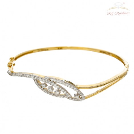 Casual wear Diamond Studded Braclet in 18kt Gold