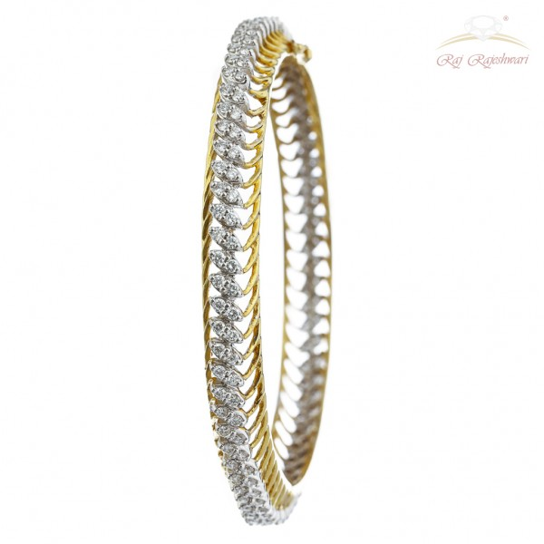 Cross Marquis Diamond Studded Pair of  Bangles in 18kt Gold