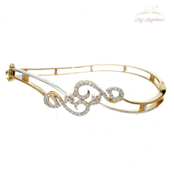 Daily Wear Diamond Studded Braclet in 18kt Gold