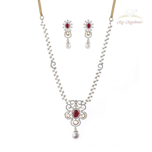 Diamond Studded Necklace Set in 18kt Gold with RUBY