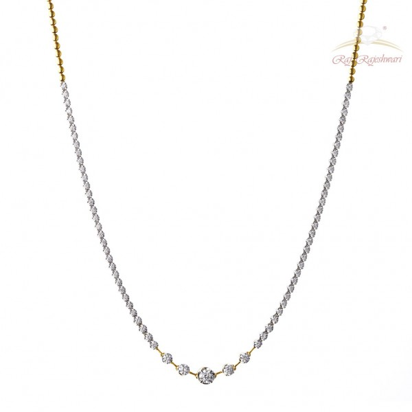 Diamond Neckline in 18kt Gold