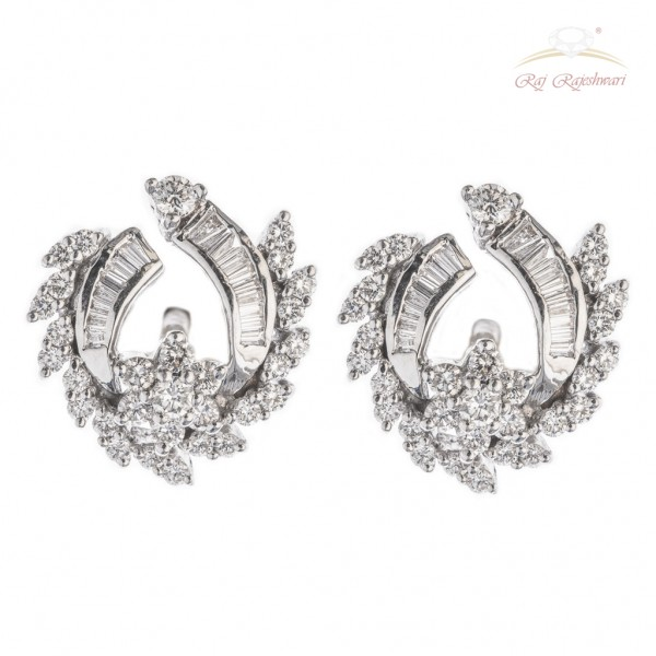 Diamond Studded Earring in 18kt White Gold