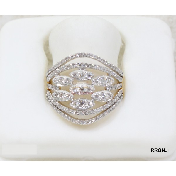 18kt Diamond Ring for Daily Wear