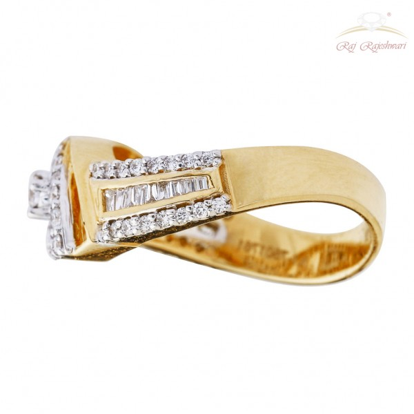 Diamond Studded Ring with Choki in 18kt Gold
